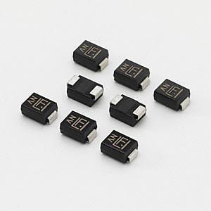 SMBJ シリーズ - 600W 表面実装 TVS ダイオード